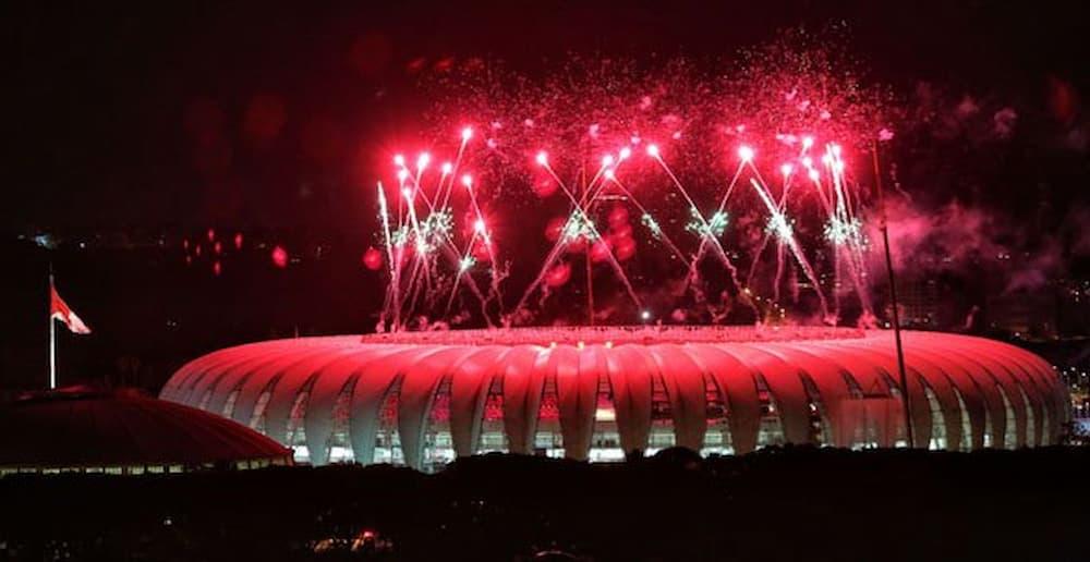 novo-estadio-beira-rio-fogos-vermelhos